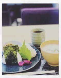 Onigiri po polsku – czyli co doskonale łączy się z zieloną herbatą Kame IMG 6197 237x300